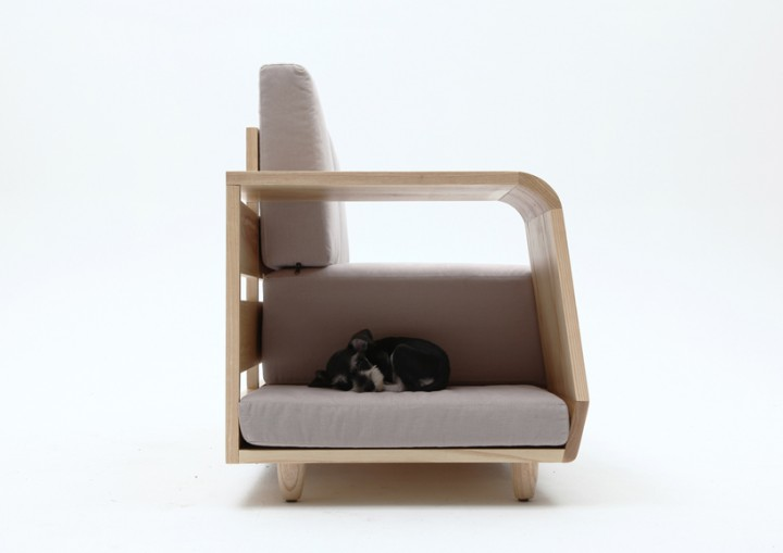 dog_house_sofa_08